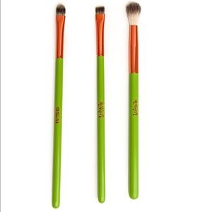 BOGO 1/2 off all makeup The Ojitos Brush trio